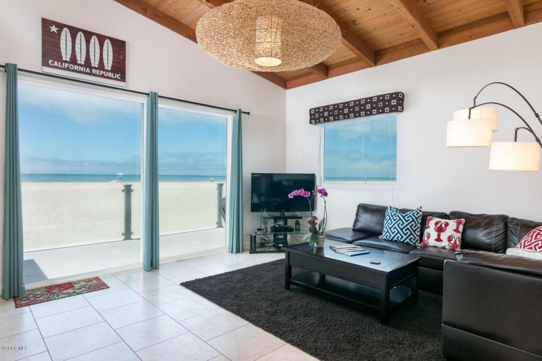 3549 Ocean Drive, Hollywood Beach, CA 93035