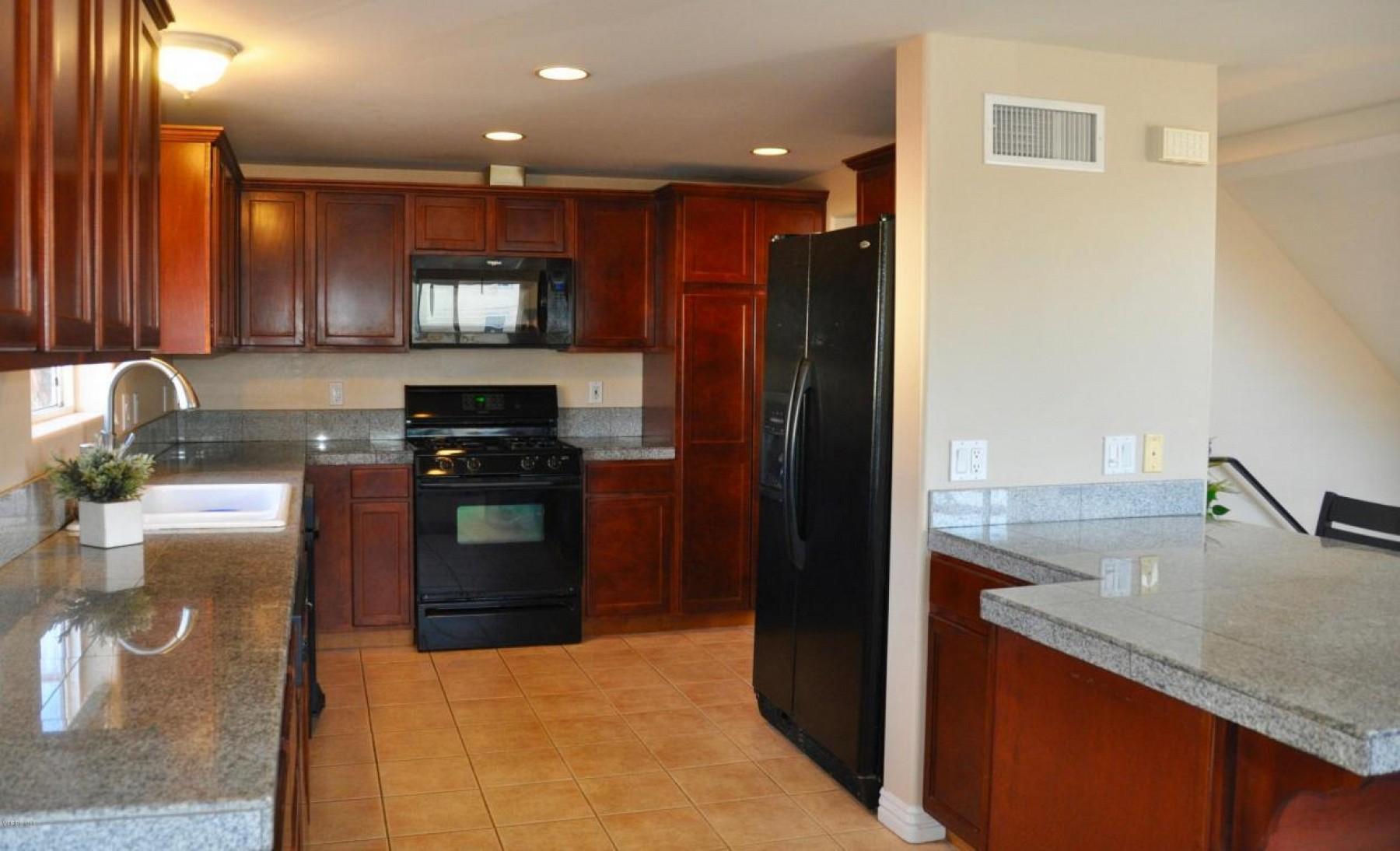 332 Laurel Court, Oxnard, CA 93035