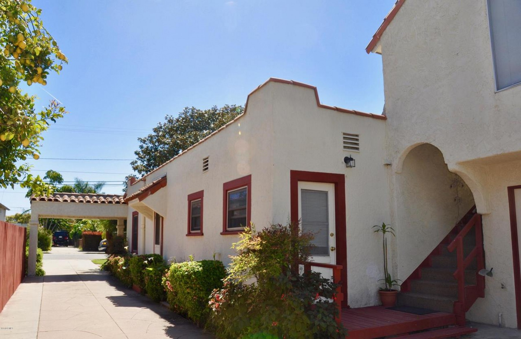 95 South Santa Cruz Street, Ventura, CA 93001